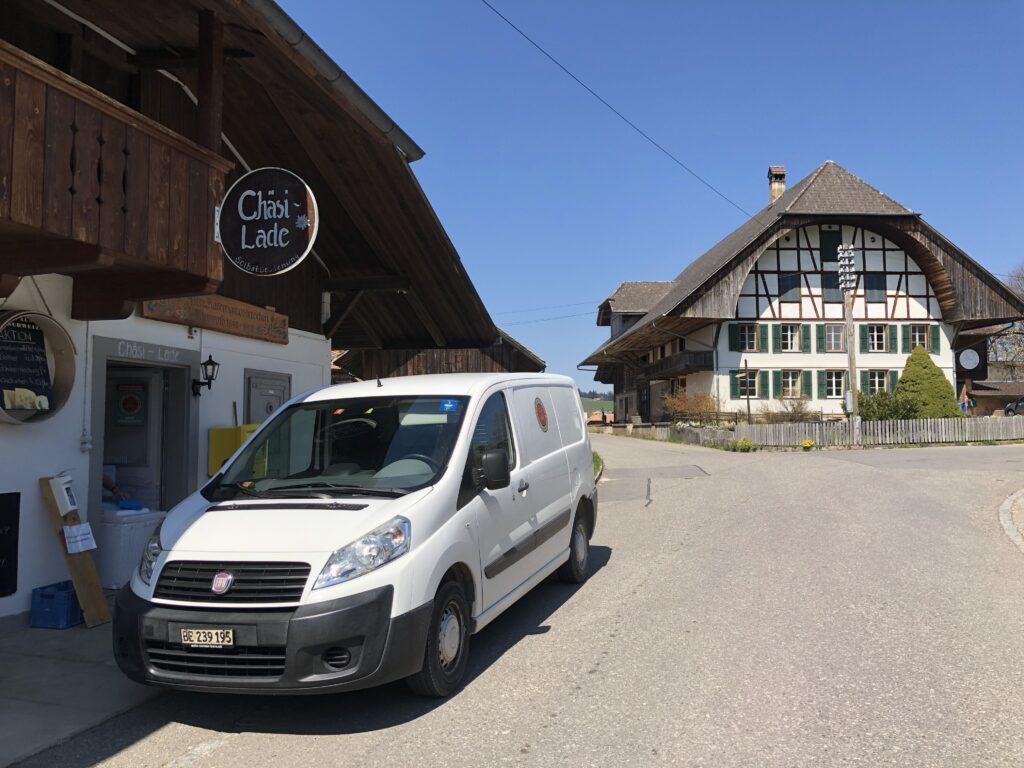 Der Chäsi Lade in Kleinroth verkauf nun auch Glädus Glace.